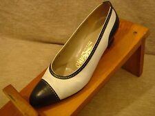Vintage Salvatore Ferragamo Women's 6 1/2 Vintage Spectator B/W Low Heel S4-36