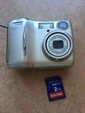 Nikon COOLPIX 3200 3.2MP Digitale Camera fotografica con skeda da 2 GB vintage