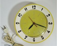 Vtg MCM Lux ROBERT SHAW Atomic Yellow & White ELECTRIC WALL CLOCK Works Great!!