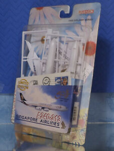 Dragon Models 1/400 Singapore Airlines Airbus A340-313 Airplane Model Kit MIP