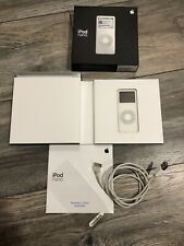 Apple iPod Nano 1st Generation White (1 GB) With Box