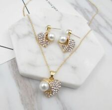 GOLD TONE FAUX PEARL AND HEART DIAMANTE RHINESTONE CRYSTAL NECKLACE EARRINGS SET