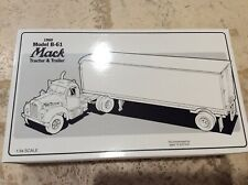 First Gear RED STAR EXPRESS 1960 Mack B-61 Model Tractor Trailer 19-1510 TNT