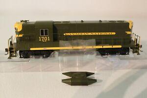 Bachmann HO Scale EMD GP9 Diesel Loco Canadian National #1701 62813 Used