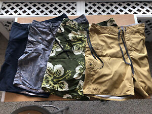 LOT OF 4 MENS SIZE 32 AUTHENTIC PATAGONIA BOARD SHORTS REGULAR LENGTH (SWIMMING)
