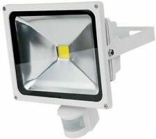 30W LED Strahler mit Bewegungsmelder weiß 5.000 Kelvin kaltweiß 2.200 Lumen