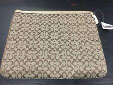 COACH purse  Applique Universal Zipper  IPAD Case NEW bag 88.00