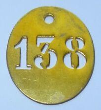 ancienne petite plaque en laiton numéro clé - maison - 138