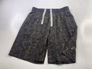 Mens Lululemon Shorts Size Large Athletic Stretch Black Drawstrings Geometric