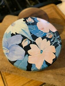 """Vtg Floral Round Tin w/Lid Made in England Designed By Danielle Alt Used 5.5"""""""