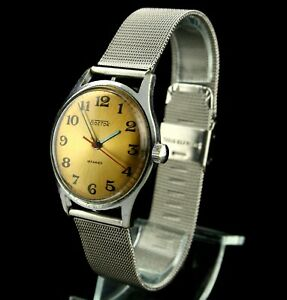 VOSTOK 18Jewels 2209 Classic Vintage Soviet Mechanical Wristwatch SERVICED USSR☭