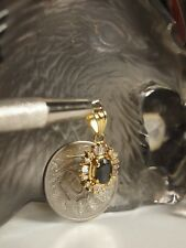 GENUINE / SOLID 750 YELLOW GOLD NATURAL GREEN STONE & DIAMOND CLUSTER PENDANT !