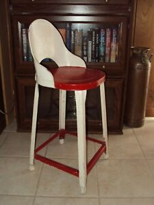 Vintage Red and White Metal CHILDS chair-- Pick Up NW Arkansas