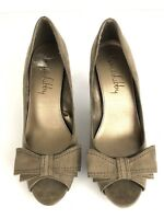 Sam & Libby Womens Heels Size 7.5 Brown Suede Peep Toe Bow Slip On