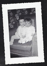 Antique Photograph Two Cute Babies Sitting in Chair - Retro Room Crazy Wallpaper