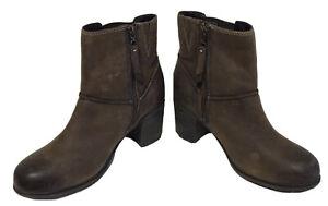 Ladies CLARKS Artisan Zip Up Brown Nubuck Boots Size UK 5.5E EU 39 Wide Fit
