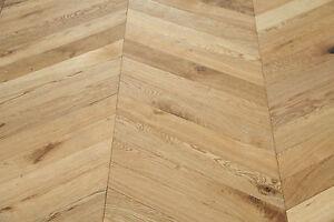 Brushed & UV Oiled Oak Chevron Flooring 600*90*18/4mm SR1802 Sample