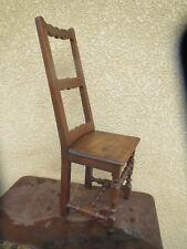 ancienne petite chaise Louis XIII epoque 19 éme siege ancien chevillé