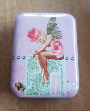CUTE VINTAGE LOVE LILY ROSE WINGS SOUVENIR COLLECTABLE PILL BOX TIN NOVELTY GIFT