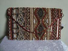Pochette ethnique en perles avec rabat