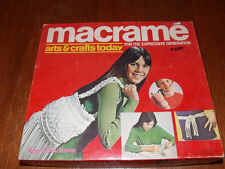 Vtg 1971 Hasbro MACRAME HOW TO, PATTERNS & CORD Belt Purse Jewelry Expressions