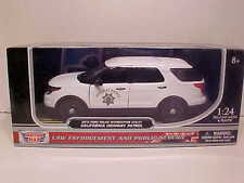 2015 Ford Explorer White California Highway Patrol Diecast 1:24 CHP 8 inch Slick