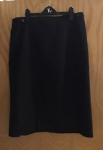Women's M&S Navy Skirt Size 18
