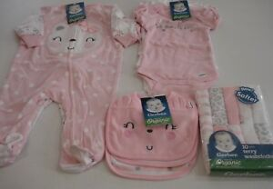 Gerber Baby Girl's 18 Piece Organic Gift Set Size 3-6 Months NEW Adorable
