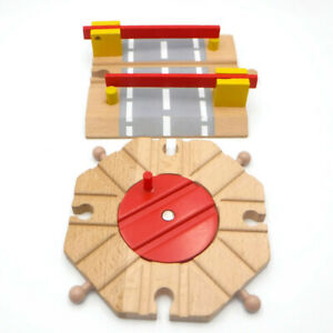 Brybelly Battat WOODEN TRAIN ROUNDABOUT & CROSSING Turntable Track Pieces