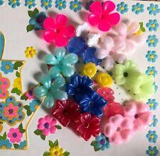 Vintage Flower Beads, Plastic and lucite beads, Destash Beads, Flowers #B104