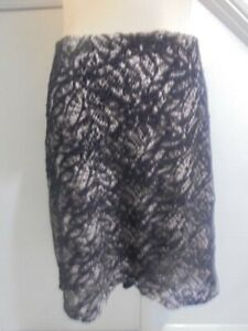 BASQUE WOMAN SIZE 22 BLACK CREAM LACE LINED SKIRT