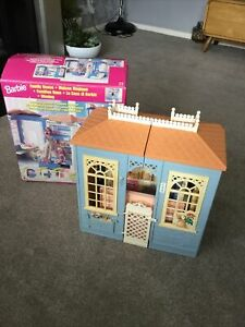 1998 Mattel Barbie Doll Fold Out Family House Vintage Boxed