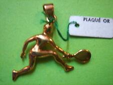 PENDENTIF JOUEUR DE TENNIS PLAQUE OR VINTAGE 70 NEUF/NEW  PENDENT GOLD PLATED