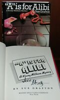 """""""A"""" Is For Alibi by Sue Grafton ** Signed 1st/6th Edition ** 1982 Hardcover w/DJ"""