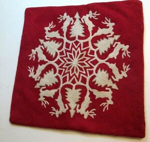 """POTTERY BARN REINDEER WREATH EMBROIDERED CHRISTMAS PILLOW COVER 20""""X20"""""""