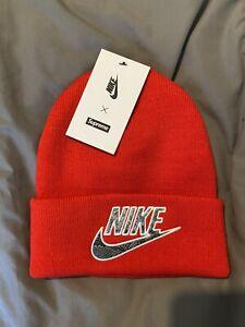 Supreme x Nike Snakeskin Beanie - Red