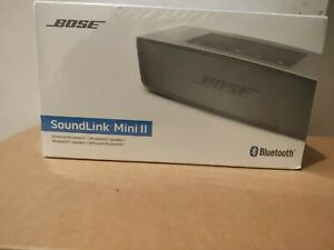 Bose SoundLink Mini II Speaker with Charging Cradle Dock  Pearl