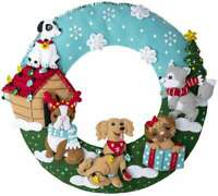 Bucilla Felt Wreath Applique Kit Christmas Dogs 046109892849