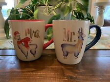 New Listing2 Fao Schwarz Llama Mr & Mrs Holiday Theme Mugs Cups Art Set of 2 His & Hers