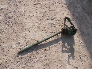 Oliver 70 tractor steering shaft gear box w/ short pitman tie rod control arm