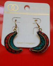 Western Style Mosaic Red Green twisted Goldtone Cres Moon Drop Earrings Z1A-9/22