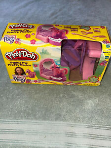 Play-Doh Pinky Pie Pretty Parlor Hasbro My Little Pony Toys R US Exclusive