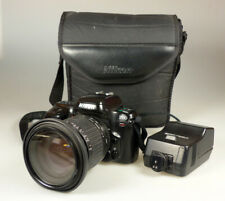 Spiegelreflexkamera Nikon F50 mit SIGMA Zoom 28-200 mm 1:3.8-5.6 und Canon Blitz