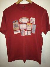 Boston Crew T Shirt Top rosso con le etichette di stato degli Stati Uniti Da Uomo Taglia M < R5685
