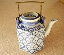 Chinese blue and white  porcelain handled tea pot with cover,6