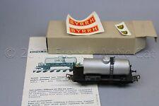 Y420 SMCF train Ho 111 wagon citerne transport vin ou produits chimiques Byrrh