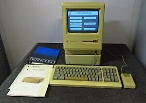 Apple Macintosh Plus 1Mb w/ Hard Disk 20 HDD + Keyboard, Mouse & Manuals *WORKS*