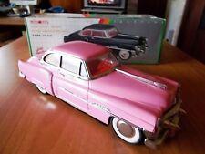 Luxe Car CADILLAC type 1950 - colore rosa - scala 1:18 - anni '80 - a frizione