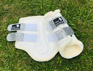 SILVER GLITTER & WHITE PATENT BRUSHING COMPETITION BOOTS TENDON FLUFF S M L XL