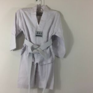 Karate Tae Kwon Do Youth 3 Piece Set Size 110 fits 6-8 year olds